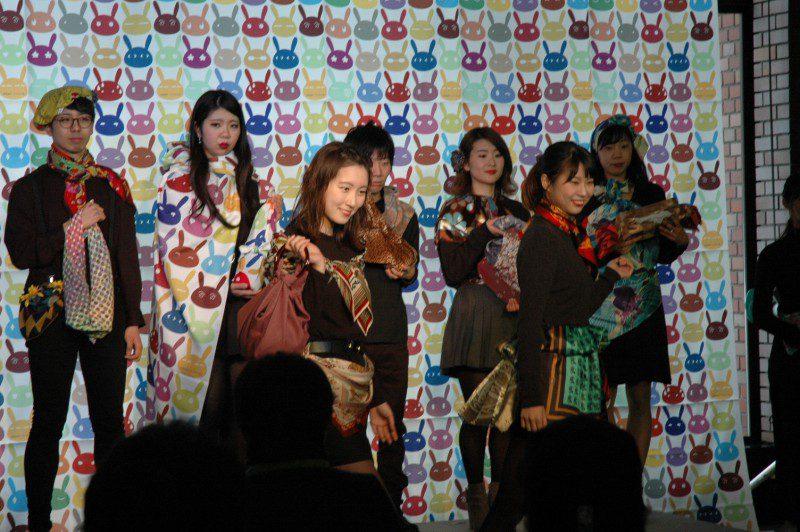 えべつFUROSIKIフェスティバル えべつ風呂敷オンステージ