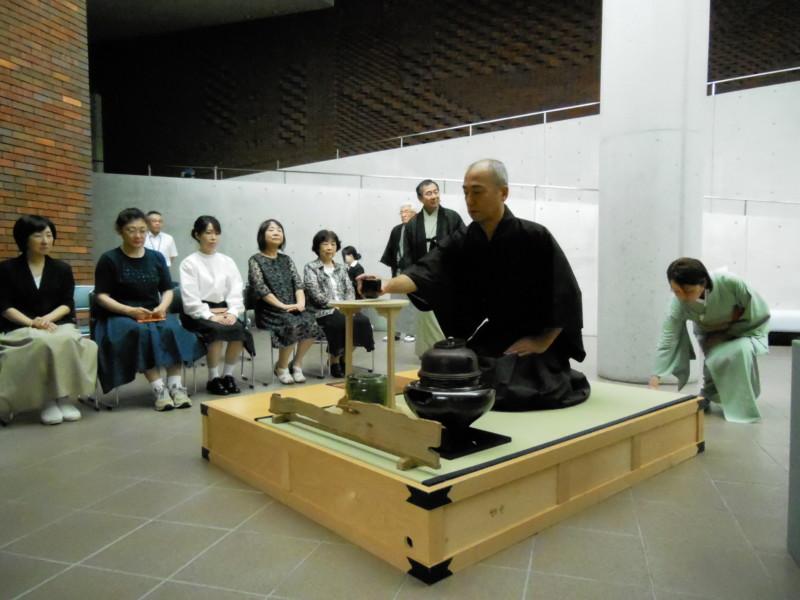 「初夏を味わう 茶席」 小森忍・河井寬次郎・濱田庄司―陶磁器研究とそれぞれの開花―展 共催企画
